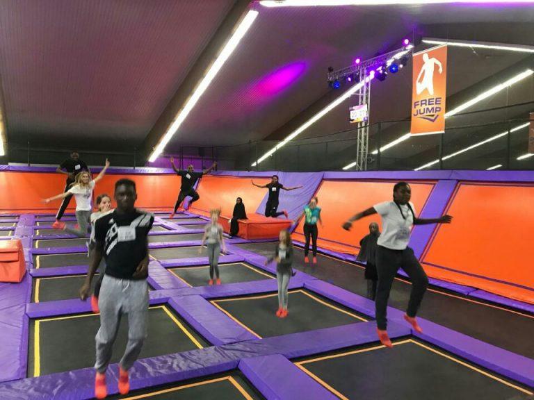 Teambuilding des Jugendforums im Jumphouse